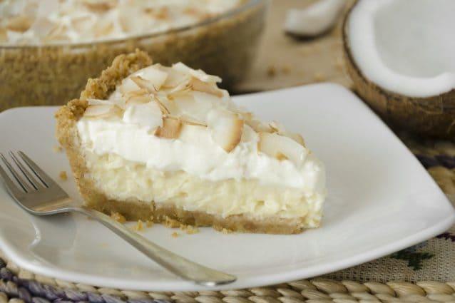 Torta cremosa al cocco: la ricetta del dolce soffice