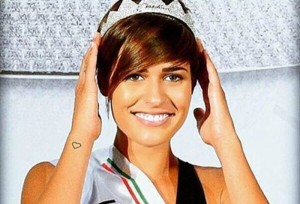 Miss Italia 2015, vince Alice Sabatini ma la Ventura la critica in diretta