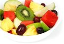 Una macedonia di frutta fresca estiva