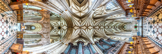 Vertigo-Inducing Panoramas of Churches Around the World