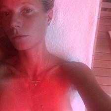 Gwyneth Paltrow in sauna