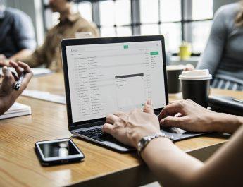 Coworking e uffici a tempo: alla scoperta del servizio uffici virtuali solitamente compreso nel prezzo